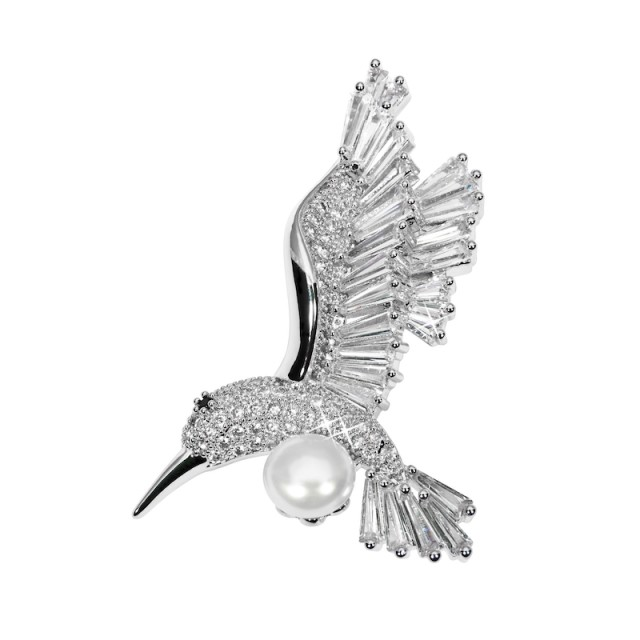 Gentle brooch hummingbird
