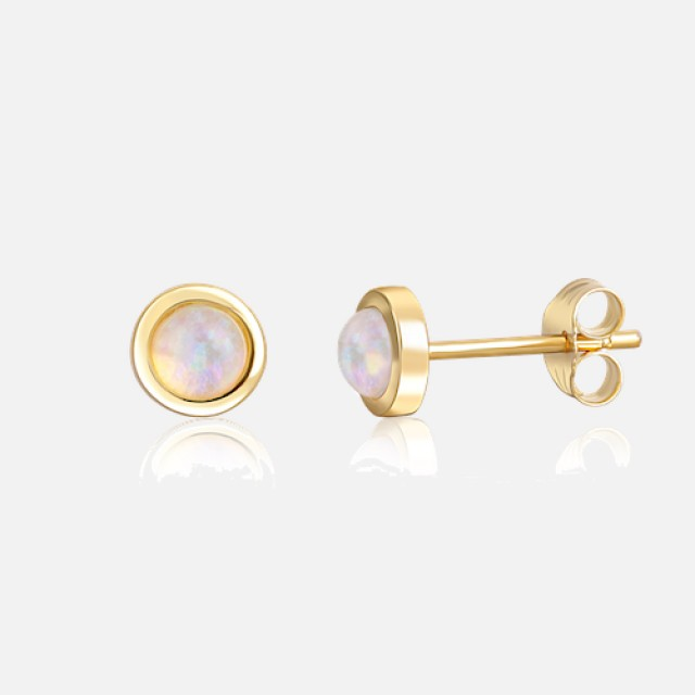 Delicate gilded earrings with opal